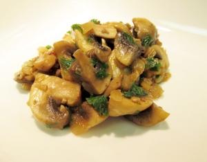 mushrooms in wine w parsley